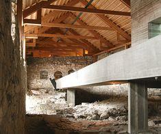 Blog de Composición de arquitectura. comentarios de edificios y textos de crítica y de teoría. Architecture criticism. Texts and buildings.