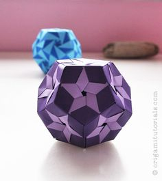 Star Prints Kusudama Tutorial – Origami Tutorials, I like the look. lots of steps to complete it Origami Yoda, Diy Origami, Origami Paper Folding, Origami Star Box, Origami And Kirigami, Origami Ball, Origami Dragon, Paper Crafts Origami, Origami Stars