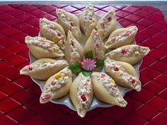 Sałatka z tuńczyka w muszlach makaronowych - Blog z apetytem Food And Drink, Yummy Food, Fish, Cheese, Snacks, Cooking, Blog, Impreza, Salads