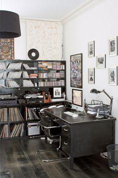 Stylish Monochrome - Home Office Ideas – Furniture, Design & Decorating (houseandgarden.co.uk)