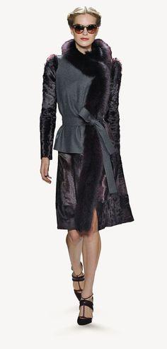 Carolina Herrera - Fall 2013 Long Fur Coat, Fur Coats, Carolina Herrera, Runway Fashion, Passion, Fall, Winter, How To Wear, Jackets