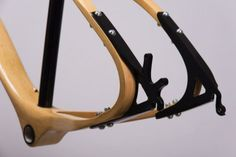 Avokádo wooden frame by Jan Mucska | Bicycle Design
