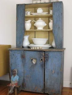 Hutch with heart Antique Cupboard, Antique Cabinets, Primitive Cabinets, Primitive Decor, Rustic Blue, Country Blue, Mustard Wallpaper, Blue Dishes, White Quilts