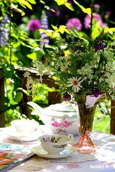 """Tea Time"" - < found near this Friends Tea  pin ... http://www.pinterest.com/pin/507710557964890920/ . >"