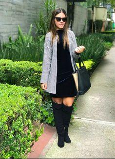 Me siento muy Chanel... otoño invierno outfit oscuro abrigo estampado