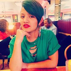 Beautiful! @leilanimariah | #thecutlife #shorthair #redlip #beauty #stunner ✂️ #Padgram