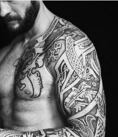 "948 mentions J'aime, 15 commentaires - Sean Parry (@sacred_knot_tattoo) sur Instagram: ""#Ragnarok sleeve on @isaksen.tom, aka Tom :) #viking #vikingtattoo #nordic #nordictattoo #dotwork…"""