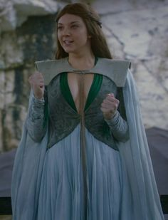 Natalie Dormer as Margaery Tyrell ~ Game of Thrones Game Of Thrones Dress, Game Of Thrones Costumes, Game Costumes, Game Of Thrones Episodes, Margaery Tyrell, Daenerys Targaryen, Natalie Dormer, Period Outfit, Celebrity Gossip
