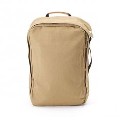 No matter what your commute looks like the Organic Camel Qwstion Daypack Backpack is ideal for you! A minimalistic design, made from certified organic cotton. Best Camera, Casual Bags, All Brands, Duffel Bag, Camel, Two By Two, Organic, Backpacks, My Style