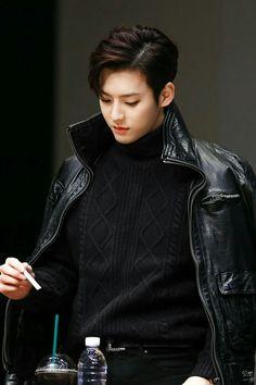 Its official - He's a Vampire Btob Lee Minhyuk, Sungjae Btob, Lee Changsub, Cute Korean, Korean Men, Im Hyun Sik, Rapper, Hoshi Seventeen, Manga Couple