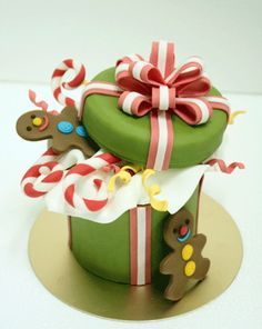 Christmas gift box cake with cookie man
