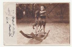 Foto Ak kleiner Junge auf Schaukelpferd 1916 Karlsruhe ! (F688 in Antiquitäten & Kunst, Fotografie & Fotokunst, Vor 1940   eBay