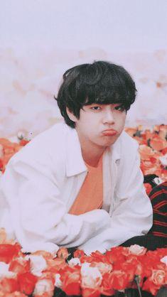 taehyung was discovered after school when he was about to have sex # Fanfiction # amreading # books # wattpad Bts Taehyung, Namjoon, Bts Bangtan Boy, Bts Boys, Rapmon, Yoongi Bts, Daegu, Foto Bts, Bts Photo