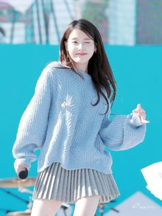 Iu Fashion, Korean Fashion, Fashion Outfits, Girl Photo Poses, Girl Photos, Cute Korean Girl, Costume, Ulzzang Girl, Korean Singer