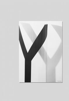 Playtype SHY-Poster Y White – Voo Store