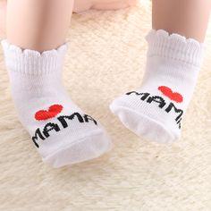 I Love Mama Papa Socks //FREE Shipping // https://mommy-shop.com/product/i-love-mama-papa-socks/    #mommyshop #baby #pregnant