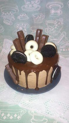 Chocolate Drip cake by dulcemelcocha