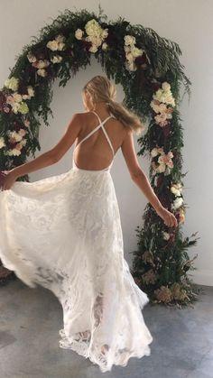 lace wedding dress split, funny wedding ideals, Lace Beach Wedding Dress, Sweetheart Wedding Dress, Dream Wedding Dresses, Boho Wedding, Bridal Dresses, Wedding Gowns, Bridesmaid Dresses, Wedding Country, Wedding Shit