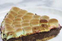Aprenda a fazer a torta de chocolate e marshmallow | Você vai sonhar com esta torta de chocolate com marshmallow