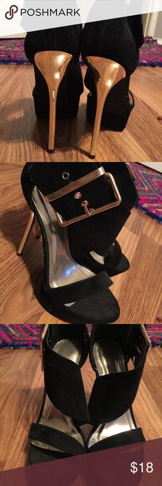 Black & gold heels- only worn once Black and gold- good condition Liliana Shoes Heels