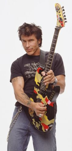 George Lynch- PHENOMENAL guitar player!