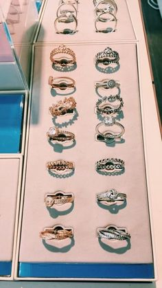 VSCO – every girl needs a ring. republishes &favourites 💕 tysm… VSCO – every girl needs a. Cute Jewelry, Bridal Jewelry, Jewelry Accessories, Jewlery, Jewelry Ideas, Jewelry Necklaces, Pandora Bracelets, Pandora Jewelry, Charm Bracelets