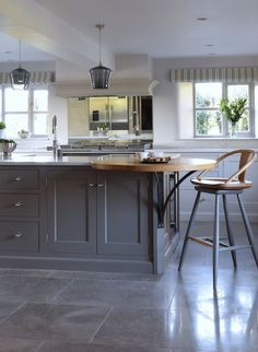 New kitchen grey worktop farrow ball 24 ideas Farrow Ball, Cottage Kitchens, Grey Kitchens, Cool Kitchens, New Kitchen Cabinets, Kitchen Flooring, Kitchen Counters, Kitchen Units, Kitchen Pantry