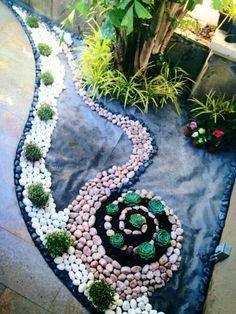 Fuente con piedras de rio para jardines pinterest for Disenos de patios con piedras