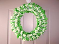 DIY St. Patrick's  : DIY Ribbon Wreath