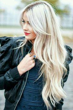 Lange lagen & over het geheel een folie soleil                                                    ( Keune special blond serie)