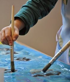 Oil Painting Lessons - You should understand that oil painting isn't as simple as holding a paint brush in your hand and making a few strokes on canvas. In fact, it's a well-organized art that can't be pursued without knowing its fundamentals.