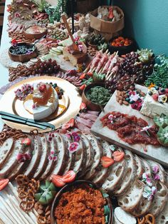 Grazing Tables, Sausage, Meat, Food, Sausages, Essen, Meals, Yemek, Eten