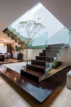 Stairs, hallways and stairs modern staircase of modern studio Home Stairs Design, Dream Home Design, Home Interior Design, Interior Architecture, Interior Decorating, House Design, Room Interior, Decorating Ideas, Interior Ideas