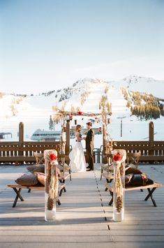 I would not want to get married in the snow, but this is just too beautiful...makes me miss Mammoth!