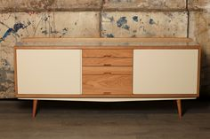 Red Edition lacquered Cream sideboard - Enfilade laquée Crème Red Edition #rededition #sideboard #lacquered #livingroom #decoration #furniture