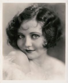 That is not Helen Kane . (Betty Boop) It's actress Nancy Carroll . Vintage Pictures, Old Pictures, Vintage Images, Old Photos, Victorian Pictures, Betty Boop, Fotografia Retro, Nancy Carroll, Historical Art