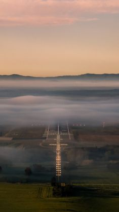 Final Approach by Airplane Photography, Travel Photography, Aerial Photography, Fly Around The World, Around The Worlds, Flying Academy, Airplane Wallpaper, Aviation World, Aviation Art