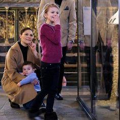 """161 gilla-markeringar, 3 kommentarer - @europeroyal på Instagram: """"Crown Princess Victoria, Princess Estelle and Prince Oscar at the Vivat Regina exhibition.…"""""""
