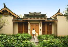 In villa dining service, Six Senses Qing Cheng Mountain, China http://www.sixsenses.com/resorts/qing-cheng-mountain/dining