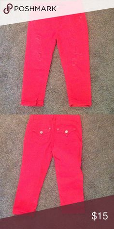 Red capris Red 'vanilla star' ripped style capris. Size 3. Wore few times. Any Q's please ask. Vanilla Star Pants Capris