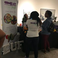 Came out and supported my sister @yesimveek and her amazing team @ @thevillagemarketatl for her company @eaturbanfresh. Had a great time meeting local vendors and mingling with other #blackbusinessowners. #atlanta #saturday #saturdayfun #support #supportlocalartists #supportlocalbusinesses #supportlocalbusiness #businessowner #entrepreneurlife #entrepreneur #art #artists #fun #food #foodie #healthylife #healthylifestyle #mealprep