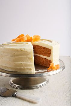 With classic carrot cake recipes, tropical carrot cake recipes with pineapple, and bake sale-worthy carrot cake bars, these easy yet elegant spiced carrot cakes will steal the show (and have everyone begging for your best-ever carrot cake recipes)! #carrotcake #carrotcakerecipes #bestcarrotcakerecipes #easter #springdesserts #bhg Carrot Cake Bars, Carrot Spice Cake, Easy Carrot Cake, Carrot Cake Cheesecake, Carrot Cakes, Classic Carrot Cake Recipe, Classic Cake, Mini Cakes, Cupcake Cakes