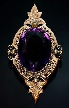 1860 amethyst brooch set in gold (Attire's Mind