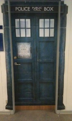 How cool would this be as a front door? & Make Your Own Tardis Door | Tardis Laundry rooms and Laundry pezcame.com