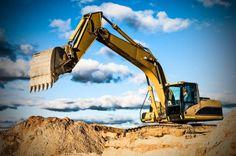 A terraplanagem, tecnicamente conhecida como terraplenagem, abrange técnicas de grande importância na engenharia de construção civil. Ela é a base de obras como edifícios, rodovias, estradas de terra, barragens, valas e canais. A terraplenagem...
