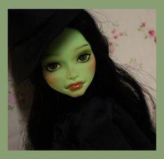 MonsterHigh OOAK / Wicked West Witch OOAK Custom Repaint Monster High Doll by Nerea Pozo   eBay