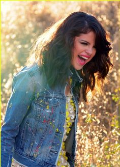 "selena gomez hit the lights video | Selena Gomez : Selena Gomez dans les champs pour son nouveau clip ""Hit ..."