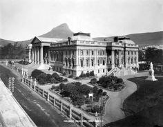Take a look at this beautiful image of Parliament House in Cape Town, South Africa. The photo was taken sometime in the early Parliament House in Cape Town Source: Library of Congress Old Pictures, Old Photos, Vintage Photos, Cape Colony, Cape Town South Africa, Houses Of Parliament, Old Houses, Beautiful Places, Places To Visit