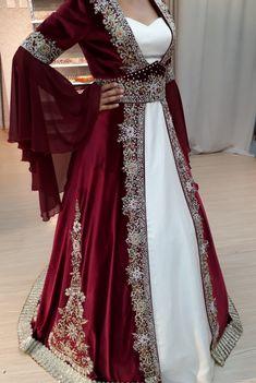 Turkish Wedding Dress, Muslim Wedding Gown, Hijab Bride, Pakistani Wedding Dresses, Wedding Hijab, Chic Wedding, Asian Bridal Dresses, European Dress, Street Hijab Fashion