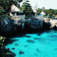 ● 'JAMAICA' ●   Via @sheavintage   #atraveldiary #travelinspo #travelgram #travel #wanderlust #wonders #takemeto #takemehere #jamaica #seejamaica #world #tour #escape #explore #instagood #instatravel #instalikes #neverstopexploring #global #globetrotter #inspo